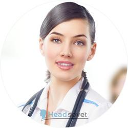 Красивый врач