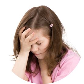 фото девочки, у которой болит голова
